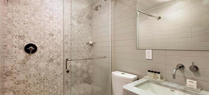 Bathroom Hotel Edison