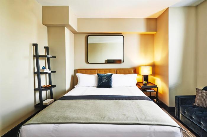 King Size bed Sixty Soho